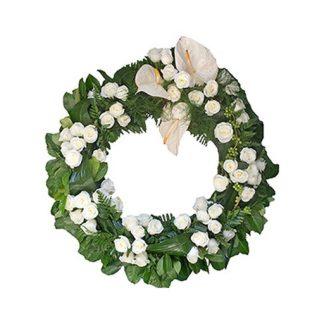 Venac od belih ruža